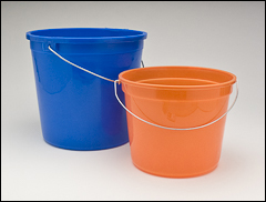 Graduated pails with wire handles - Pails
